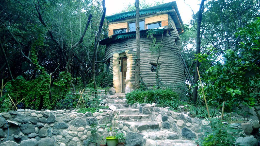Pancharaguay: Cabañita construida en superadobe